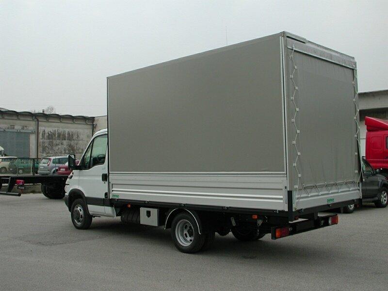 furgone speciale con allestimento con parete apert. idraulica