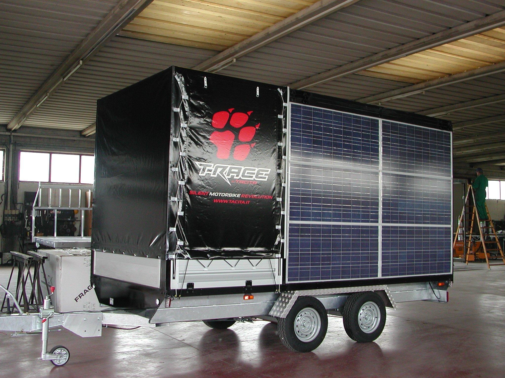 furgone con carrello fotovoltaico