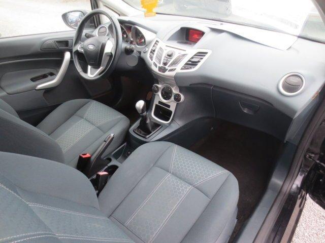 interni di una Ford Fiesta usata