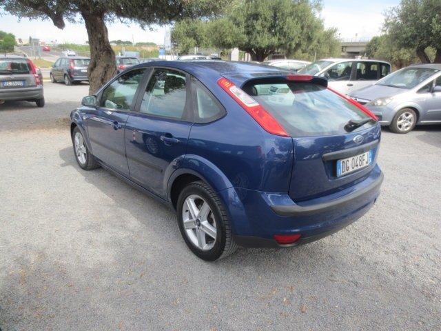 Ford Focus blu usata