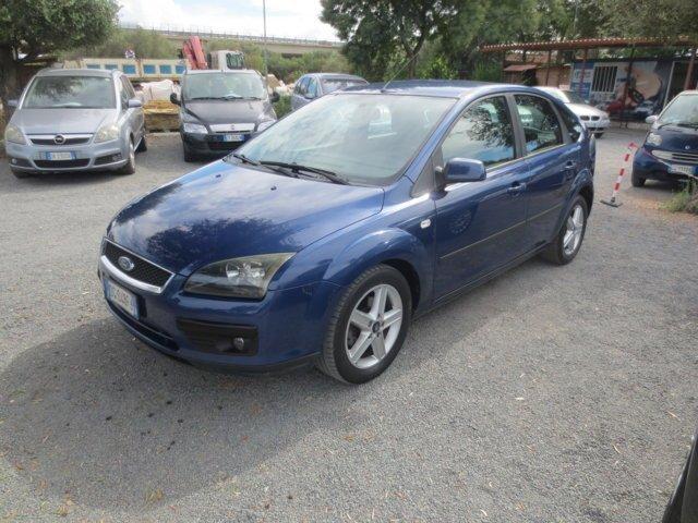 Ford Focus blu usata a Sestu