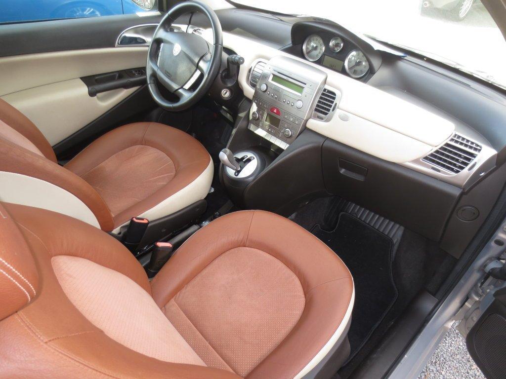 Sedili in pelle Lancia Ypsilon 1.3