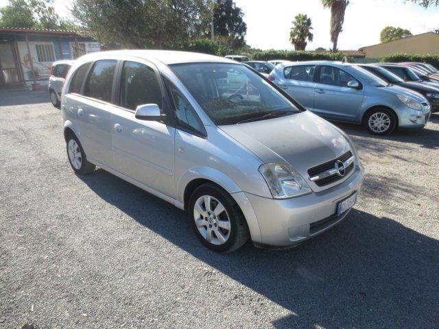 Opel Meriva usata grigia