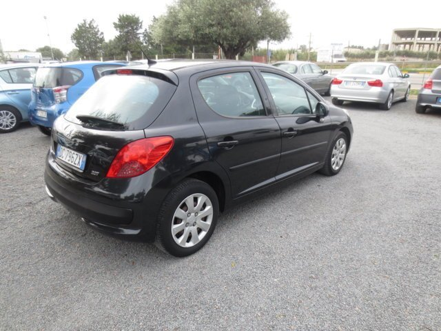 Peugeot 207 usata vista laterale
