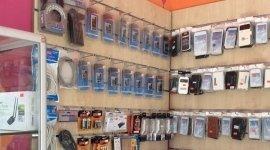 vendita accessori per cellulari, cavi elettrici, custodie