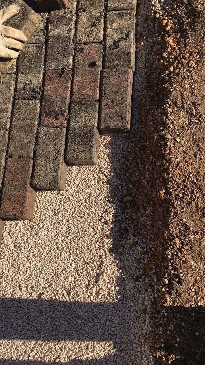 Posa in opera pavimento autobloccante a secco