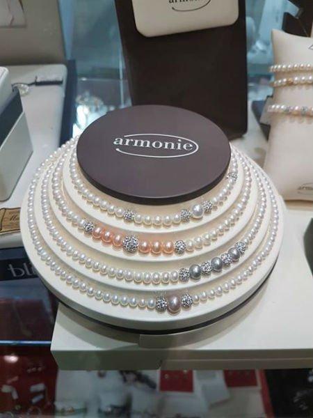 collane di perle della marca Armonie