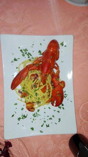 Spaghetti alla chitarra con l'astice presso Ristorante Pizzeria Terra e Mare a Torino