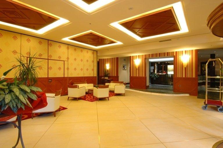 hall Hôtel Excelsior