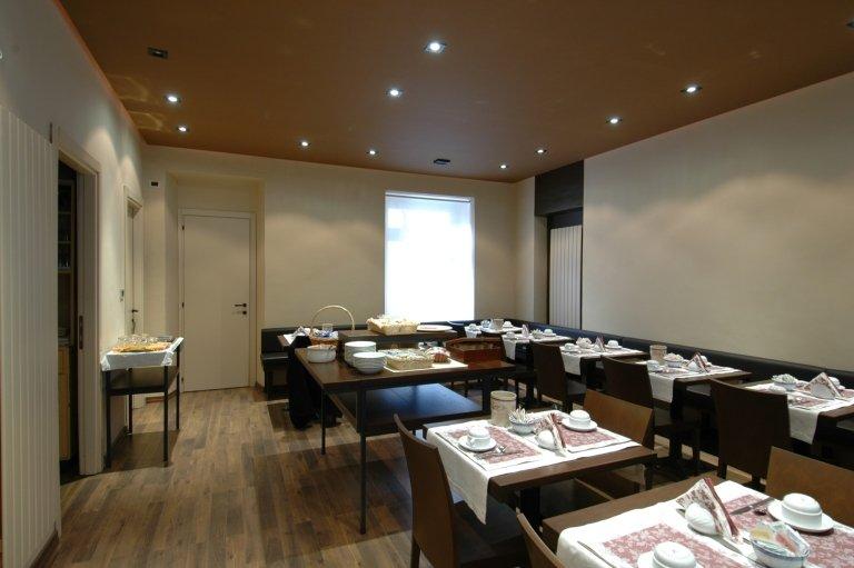 sala colazioni hotel Cuneo