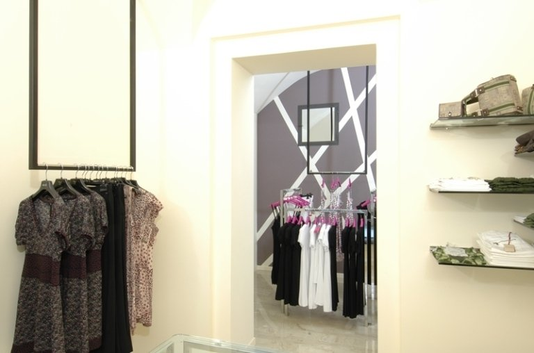 negozio di abbigliamento varazze