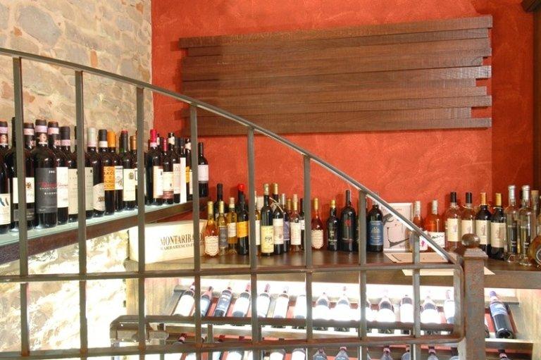 tables Vineria Antica Torre