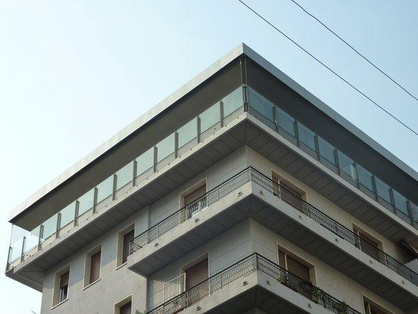 vista angolare di un edificio con cielo vista