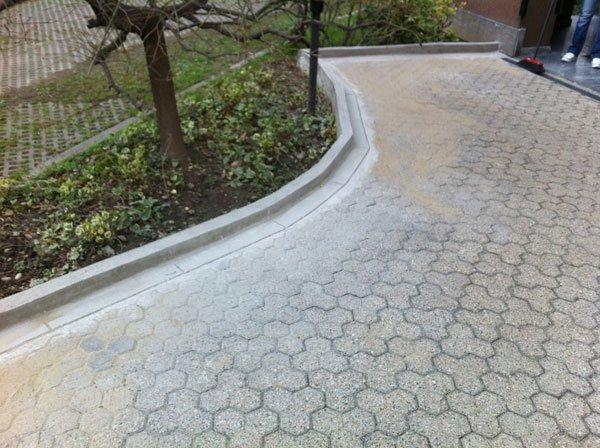 pavimento in pietra in giardino