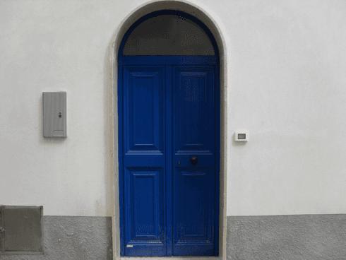 portoni ingresso blu