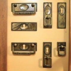 Pomelli  e maniglie per mobili e arredamenti