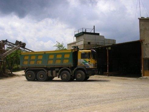 Camion trasportatore