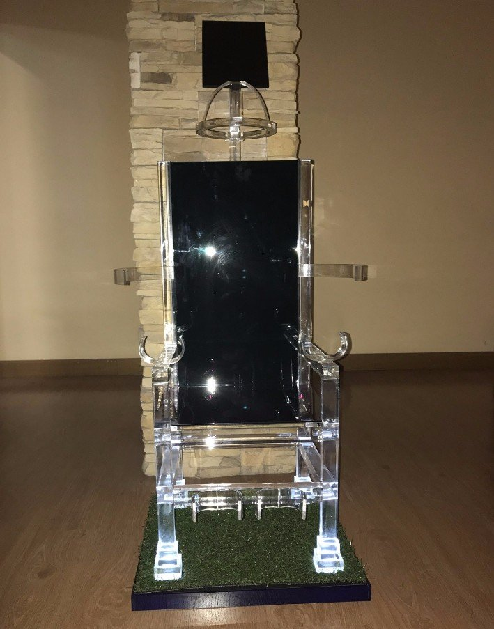 lavori personalizzati in plexiglass