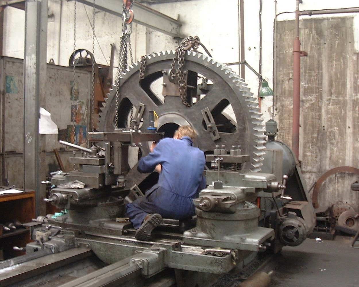 Large cog manufactured through our engineering services in Wellington