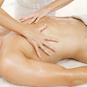 Massage therapist providing remedial massage in Kambah