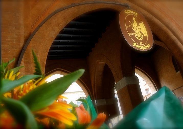 Ristorante taverna del Postiglione Bologna centro