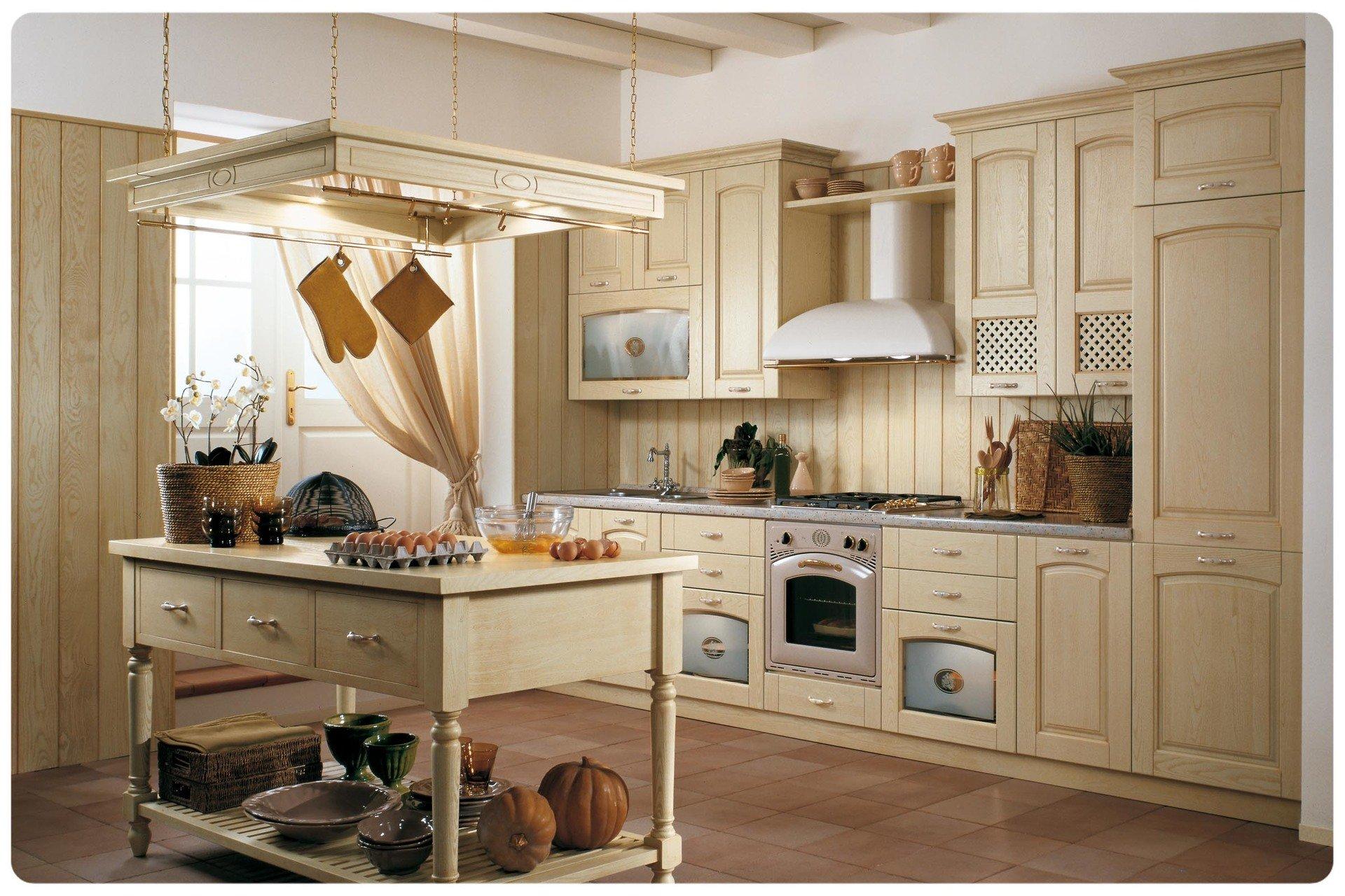 Cucina classica tutta in legno