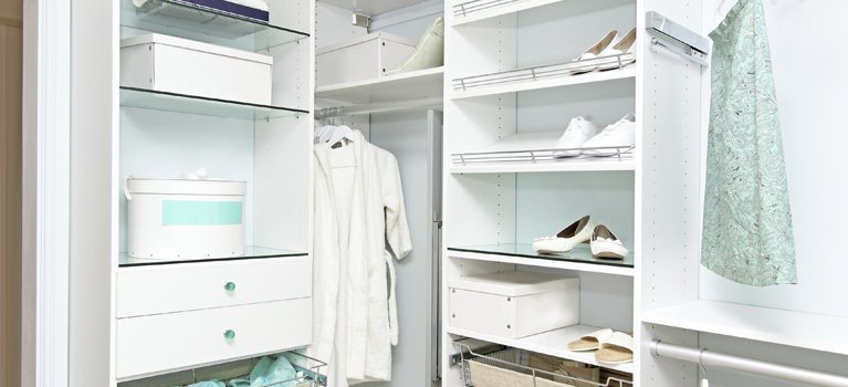 Thomos home improvement wardrobe with clothes