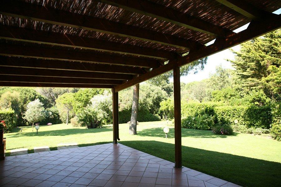 Gazebo - interno con copertura solare