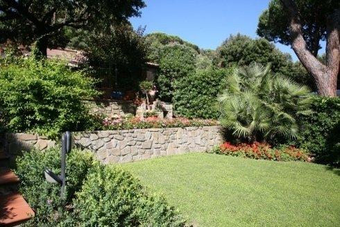 giardino con piante esotiche