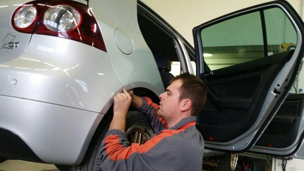 raddrizzatura lamiera auto