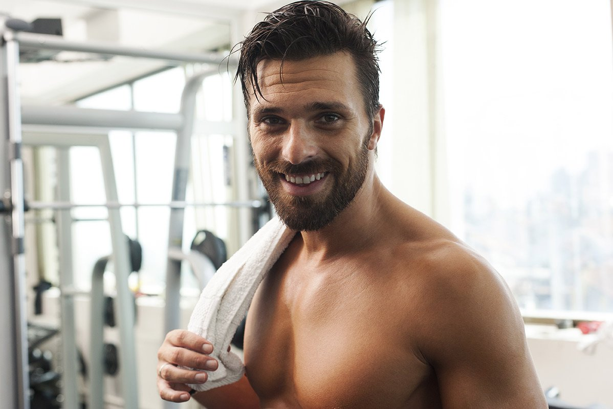 man in the gym showing signs of anxiety and depression