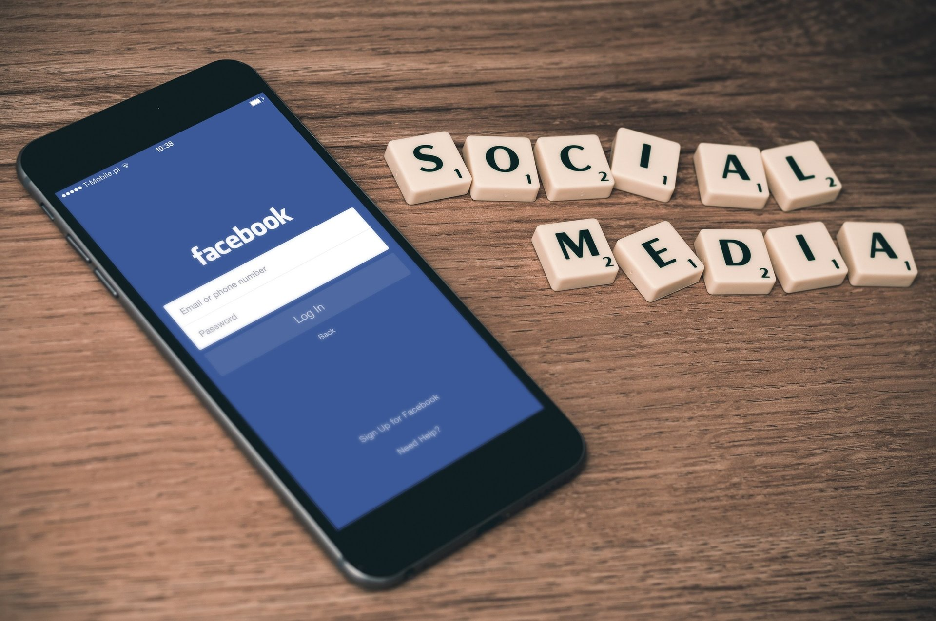 How Should Business React to Negative Feedback on Social Media