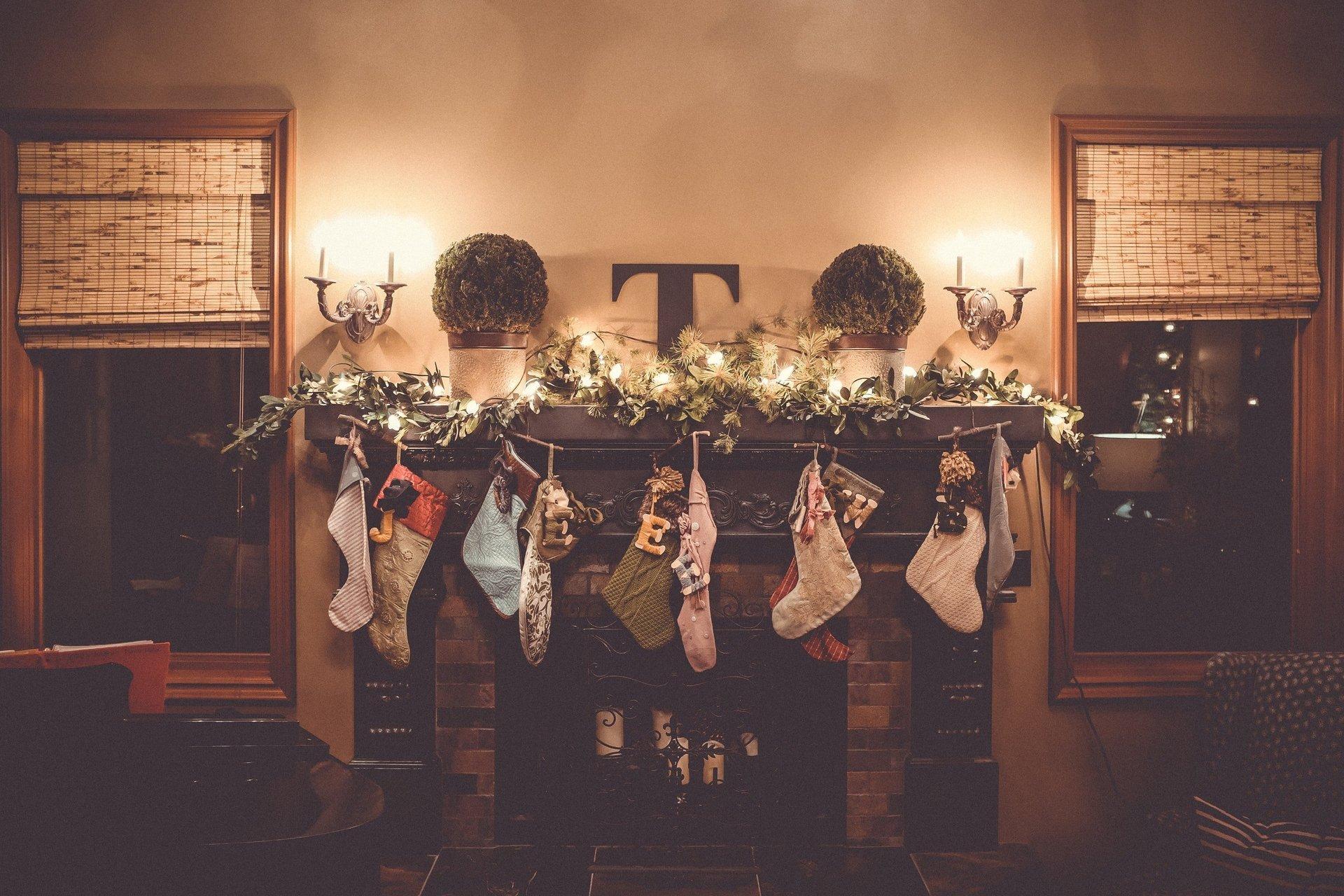 camino a tema natalizio